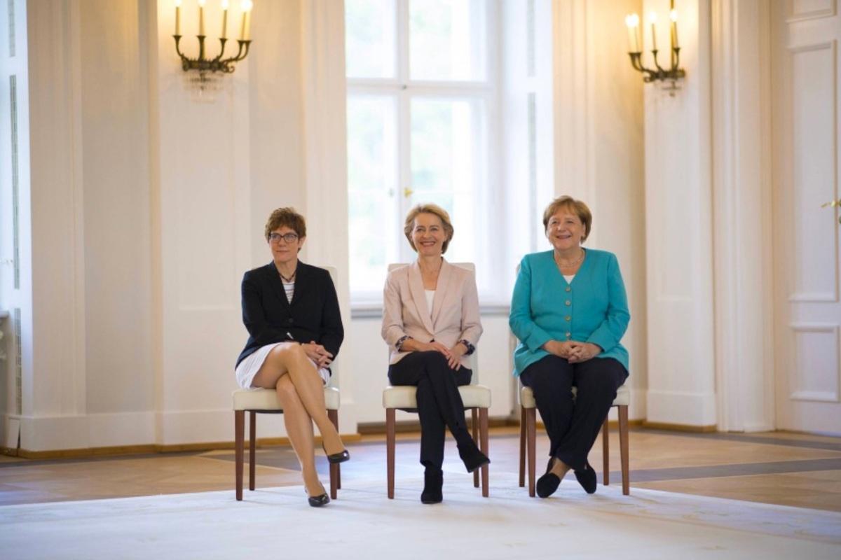 Angela Merkel, Ursula von der Leyeen, Annegret Kramp-Karrenbauer, Fashion Theory, Fashion in politics, women in politics, representational dress, gendered politics, gender, politicized fashion, outfits in politics, choice of dress, styling, European politics, powerful female representatives,